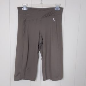 Lole Green Bermuda Cropped Athletic Pants